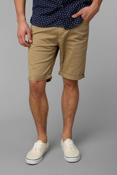 This Mens summer casual short outfits worth to copy 57 image is part from 75 Best Mens Summer Casual Shorts Outfit that You Must Try gallery and article, click read it bellow to see high resolutions quality image and another awesome image ideas. Casual Shorts Outfit, Casual Outfits, Formal Outfits, Look 2015, Summer Wear, Spring Summer, Summer Outfits For Guys, Casual Summer, Spring Vacation