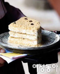 세상에서 가장 쉬운 떡 만들기 : 여성동아 Korean Cake, Rice Cakes, Vanilla Cake, New Recipes, Deserts, Food And Drink, Bread, Cooking, Breakfast