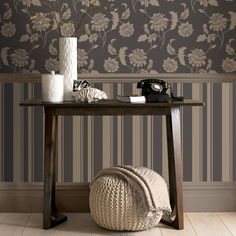 Tapet in stil englezesc English Style, Entryway Tables, Taupe, Minimalism, Retro, Wallpaper, Brown, Modern
