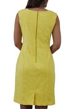 Vestido Tubinho Jacquard amarelo Seiki @ ChicEElegante Simple Dresses, Pretty Dresses, Dresses For Work, Summer Dresses, African Fashion Dresses, African Dress, Outfit Elegantes, Church Dresses, Europe Fashion