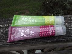 Bath & Body Works Signature Citrus Face Scrub Pomegranate and Apple Blossom #BathBodyWorks