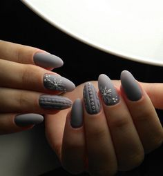 80 Gorgeous Christmas Nail Art Designs To Beautify The Momen.- 80 Gorgeous Christmas Nail Art Designs To Beautify The Moment Cute Christmas Nails, Christmas Nail Art Designs, Xmas Nails, Diy Nails, Cute Nails, Pretty Nails, Christmas Time, Christmas Ideas, Sweater Nails