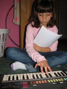 Divya Music offers beginner Keyboard lessons for Kids, children and adults - Keyboard music classes on Skype, YouTube and Free Keyboard classes online - Keyboard instrumental music lessons and Keyboard classes online.  http://www.musiclessonsonline.in/Keyboard-lessons-online-classes-teacher-training.html