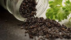 Bilgi paylaştıkça çoğalır :)Hayıt tohumu yüzyıllardır tıbbi faydaları için kullanılmış, Latince adı vitex agnus-castus olan bir bitkidir ve Akdeniz'de yetişir. Hayıt tohumu kürü veya hayıt tohumu çayı yaparak hayıt tohumunun faydalarından yararlanabilirsiniz. Hayıt bitkisi karabibere benzeyen meyveleri olan bir bitkidir. Bu karabibere benzeyen tanelere hayıt tohumu denir. Hayıt tohumu çayı tarifi: 1 çay kaşığı taze/kuru …