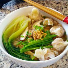 Wonton Noodle Soup (Mì Hoành Thánh)