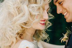 Bride and groom in jungle-inspired photo shoot Love is Wild from mywedding magazine @myweddingdotcom