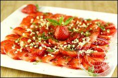 Carpaccio-fraises-menthe-amandes-grillees (9)