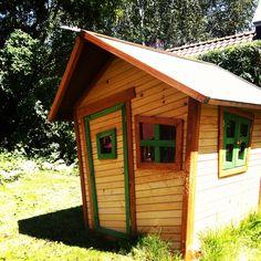 Play house - Speelhuisje voor in de tuin. Maar waar zijn Hans en Grietje nou gebleven?