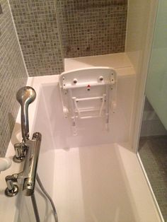 Siège De Douche Adapté Toilette Intime Couleur Bleue Spéciale - Baignoire avec porte pour senior