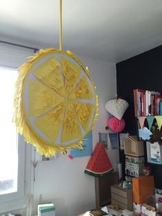 DIY - Dreamcatcher 'To the moon and back' - Caro In The Sixties Deco Fruit, Lemon Party, Dyi, Table Lamp, Ceiling Lights, Furniture, Home Decor, Opera, Party