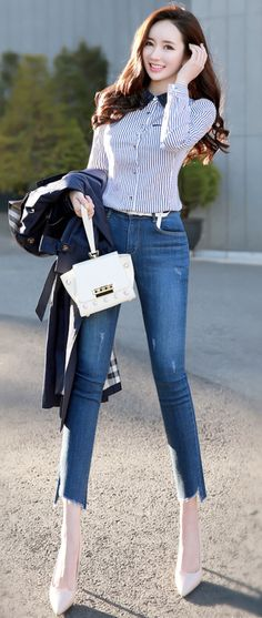 Tips For Understanding Women's Fashion Without You Hesitating! – Designer Fashion Tips Fashion Pants, Fashion Outfits, Fashion Tips, Moda China, Korean Fashion Fall, Trendy Clothes For Women, Jeans Denim, Fashion Design, Clothing Ideas