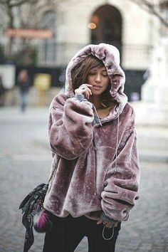 Winter style. Looks so cozy!!!