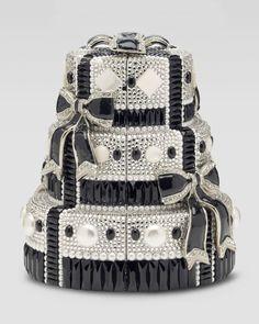 http://harrislove.com/judith-leiber-tuxedo-bows-cake-minaudiere-p-2681.html