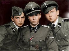 SS Wiking brothers : Kam brothers in the Waffen-SS (from left to right): Poul, Søren etErik. The Danes were photographed in 1943 and they fought in the ranks of the Wiking Division. —————————- Les frères de la division SS Wiking : Les frères Kam dans...