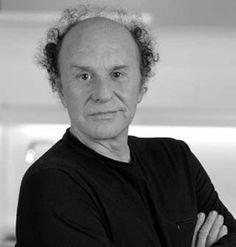 Jorge Pensi.  Diseñador de origen bonaerense, Jorge Pensi (Buenos Aires, 1946) ha desarrollado la mayor parte de su carrera profesional en España donde llegó en 1975.