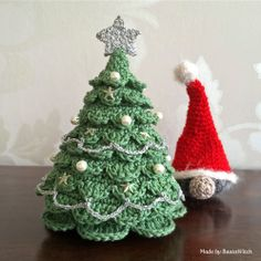 Crochet Christmas tree and santa Made by BautaWitch - free pattern.