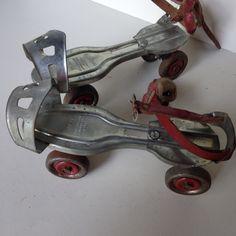 pussy-vintage-metal-roller-skates