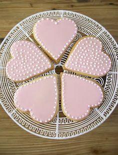 Google Image Result for http://1.bp.blogspot.com/_ouEngLGPeNI/SnhA7QVpTQI/AAAAAAAAATI/woJ1a6-2epk/s400/sugar_cookies.jpg