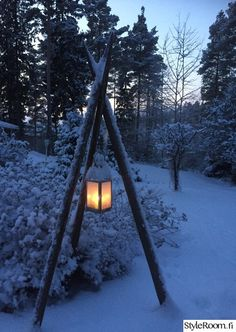 lantern, garden lantern, hay pole, garden idea - All About Dream Garden, Home And Garden, Garden Poles, Garden Lanterns, Outdoor Lighting, Outdoor Decor, Winter House, Outdoor Projects, Garden Inspiration