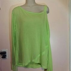 Splitsfiftynine amazing oversize top nwt Check pictures, back is part mesh :59 Tops