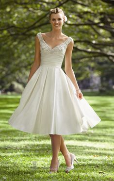 Short wedding dress idea