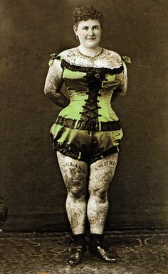 39 Astonishing Vintage Portrait Photos of Tattooed Ladies From the Late and Early Centuries Retro Tattoos, Old Tattoos, Vintage Tattoos, Tatoos, Tattoo Passion, Mime, Circo Vintage, Belle Epoque, Tattoo People