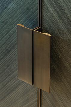 Joseph Giles 'moon' edge pulls in antique bronze finish, hardware Brass Handles, Cabinet Handles, Cupboard Door Knobs, Linen Cupboard, Shoe Cabinet, Wooden Handles, Brass Hardware, Porte Design, Wardrobe Handles