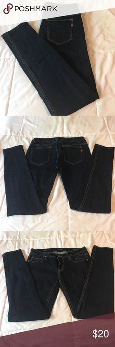 Vigoss skinny jeans! NWOT‼️ I bought these and forgot about them. I no longer wear a 4/27-28. These jeans are very nice. Dark wash. They can be dressed up easily with a good pair of pumps and a nice tunic, or worn rolled up with a comfy pair of chucks. MAKE OFFERS. I will bundle too❤️ Vigoss Jeans Skinny