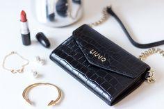 Liu Jo bag Clutch Bags, Liu Jo, Pretty Outfits, Sparkle, Handbags, Detail, Girls, Inspiration, Accessories
