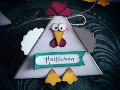 Hallo,   nanu...die Hühner sind los...hier sitzen gaaaaaaaaaanz viele auf meinem Tablett....hihi...     die ganze Hühnerschaar....      und ...