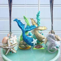 Under the Sea Cakepops #mermaid #mermaidtail #mermaidtailcakepops #cakepops #underthesea #seashells #seashellscakepops #lollicakesbyella #takemetothebeach #seahorse #beachcakepops