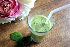 The Great Green Smoothie with Spinach & Almond Butter - Goodness Me!