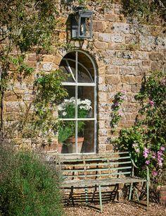 Light choice (House and Garden) Beautiful Space, Beautiful Gardens, Fresco, Dream Garden, Home And Garden, Garden Seating, Garden Benches, English Country Gardens, Through The Window