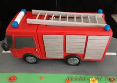 Backdat – 1001 Torte: Feuerwehrauto – My TOrt Fire Engine Cake, Chocolate Caramel Cake, Le Chef, Baby Party, Coffee Break, 4th Birthday, Birthday Cake, Fire Trucks, Cakepops