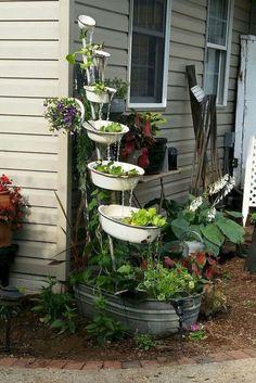 garden design - 80 Awesome Spring Garden Ideas for Front Yard and Backyard CoachDecor com Garden Yard Ideas, Big Garden, Spring Garden, Water Garden, Garden Projects, Garden Art, Garden Junk, Gnome Garden, Diy Projects