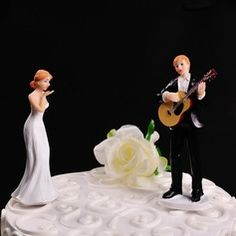 """Figurine """"Play Guitar for You"""" Resin Wedding Cake Topper"""