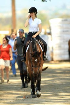 Basic Rules About Horseback Riding For Beginners Enjoyable Sport - Art Of Equitation Cute Horses, Pretty Horses, Horse Love, Horse Girl, Beautiful Horses, Horse Photos, Horse Pictures, Equestrian Outfits, Equestrian Style
