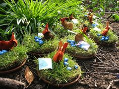 Teracotta dishes planted with grass. Add chocolate eggs and a cute felt bunny. But when do I start planting these? Felt Bunny, Easter Bunny, Waldorf Crafts, Nature Table, Easter Activities, Holidays With Kids, Nature Crafts, Easter Baskets, Easter Crafts