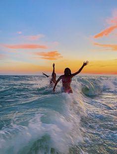 Beach Aesthetic, Summer Aesthetic, Summer Pictures, Beach Pictures, Summer Feeling, Summer Vibes, Photos Bff, Summer Goals, Foto Instagram