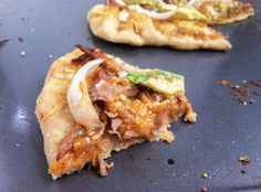 Pulled Pork BBQ Pizza - so I'm reading the blog with this and she didn't now you could make your own pizza?! anyway, going to use my leftover bbq chicken instead of the pork...