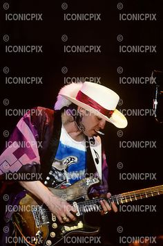 Stevie Ray Vaughan - performing live at The Pier in New York City USA - August Photo credit: Ebet Roberts / IconicPix Stevie Ray Vaughan Guitar, Steve Ray Vaughan, John Mayall, Country Music Artists, David Gilmour, Keith Richards, Def Leppard, Aerosmith, Jimi Hendrix