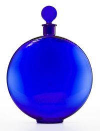 FROM THE ESTATE OF SHIRLEY JACOBS ALTER  R. LALIQUE Eau de toilette bottle in cobalt blue for Worth fragranc