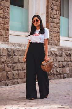 T-shirt – Supreme | Pants – H&M | Bag – Cult Gaia | Sandals – Saint Laurent These currently loving posts are always my favourite ones as I get to share with you guys trends/products I am currently crushing on. Keep on reading to find out my current favourites. Cult Gaia Bag The most perfect …