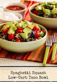 This Spaghetti Squash Low-Carb Taco Bowl has all the flavors that make you love beef tacos in a spaghetti squash bowl, and this tasty dinner will be a hit! Healthy Low Carb Recipes, Paleo Recipes, Cooking Recipes, Beans Recipes, Diabetic Meals, Diabetic Friendly, Noodle Recipes, Healthy Meals, Low Carb Mexican Food