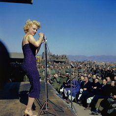 1950年~1960年のスタイルアイコン Marilyn Monroe | 「明日という字は、明るい日とかくのね・・・」