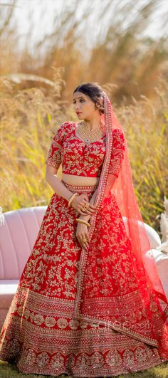 Lehenga Choli Online, Bridal Lehenga Choli, Girls Dresses, Sari, Indian, Crop Tops, Floral, How To Wear, Stuff To Buy