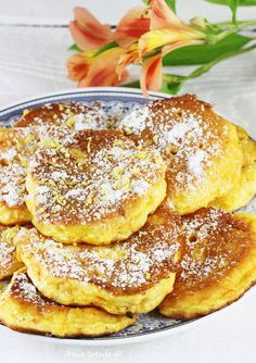 Przepis na mini pancakes placki dyniowe   AniaGotuje.pl Cute Desserts, Dessert Recipes, Mini Pancakes, French Toast, Recipies, Vegan Recipes, Clean Eating, Lunch Box, Food And Drink