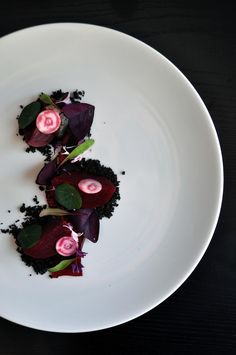 Food Pairing | Chris Tiba (anise vegetable ash streusel, coriander spiced beets, oxalis, and beet film)