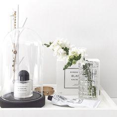 Favorites on a tray.... #byredo #labruket #jewelry #flowers #stylizimohouse #bedroom