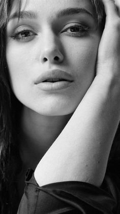 Keira Knightley In Black Photo wallpapers Wallpapers) – HD Wallpapers Keira Knightley Hair, Keira Christina Knightley, Black And White Portraits, Black And White Photography, Photo Portrait, Portrait Photography, Beckham, Photo Star, Elizabeth Bennet